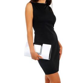 Suknele klasikine be rankoviu juoda